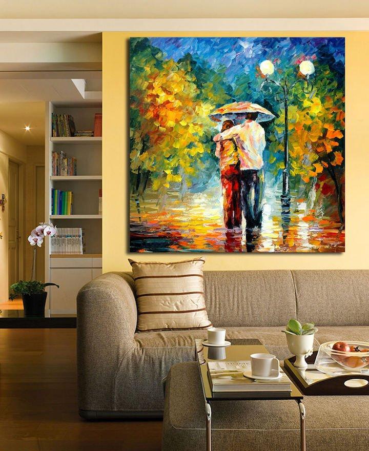 リビングルームに飾る大型の絵画